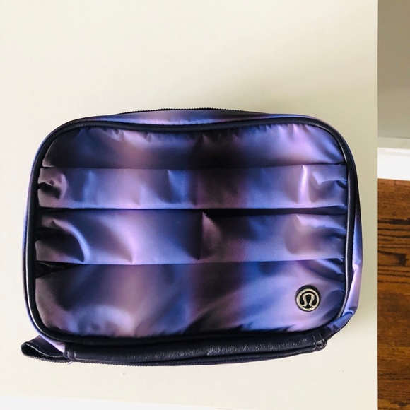 Lululemon Toilette bag.  3-1 gym essential kit